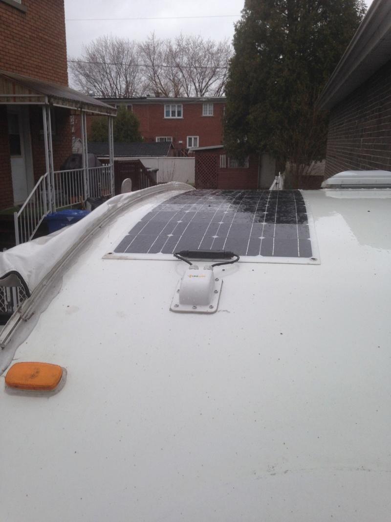 Installation de panneaux solaires flexibles sur une Prolite 1_pann11