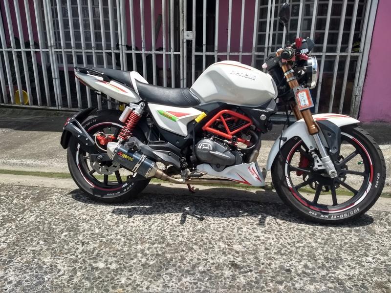 RKS 200 2013 modificada frente café Racer Img_2011