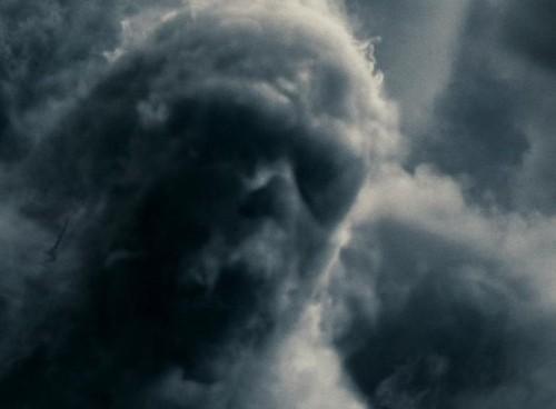 Les Nuages Noirs Skull_10