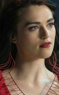 Katie McGrath Superg10