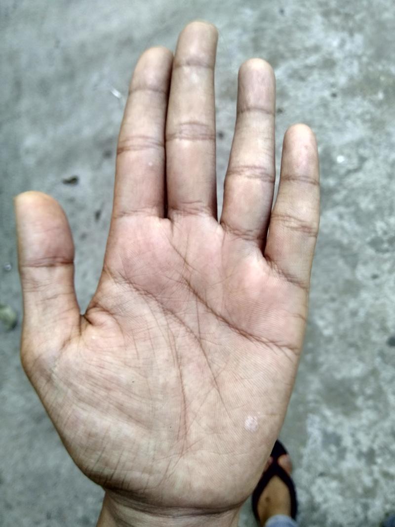 Plz my hand plz..  Img_2019
