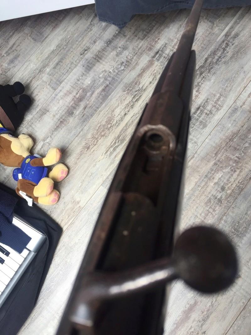 Besoin d'aide pour une carabine trouvé  D056a210