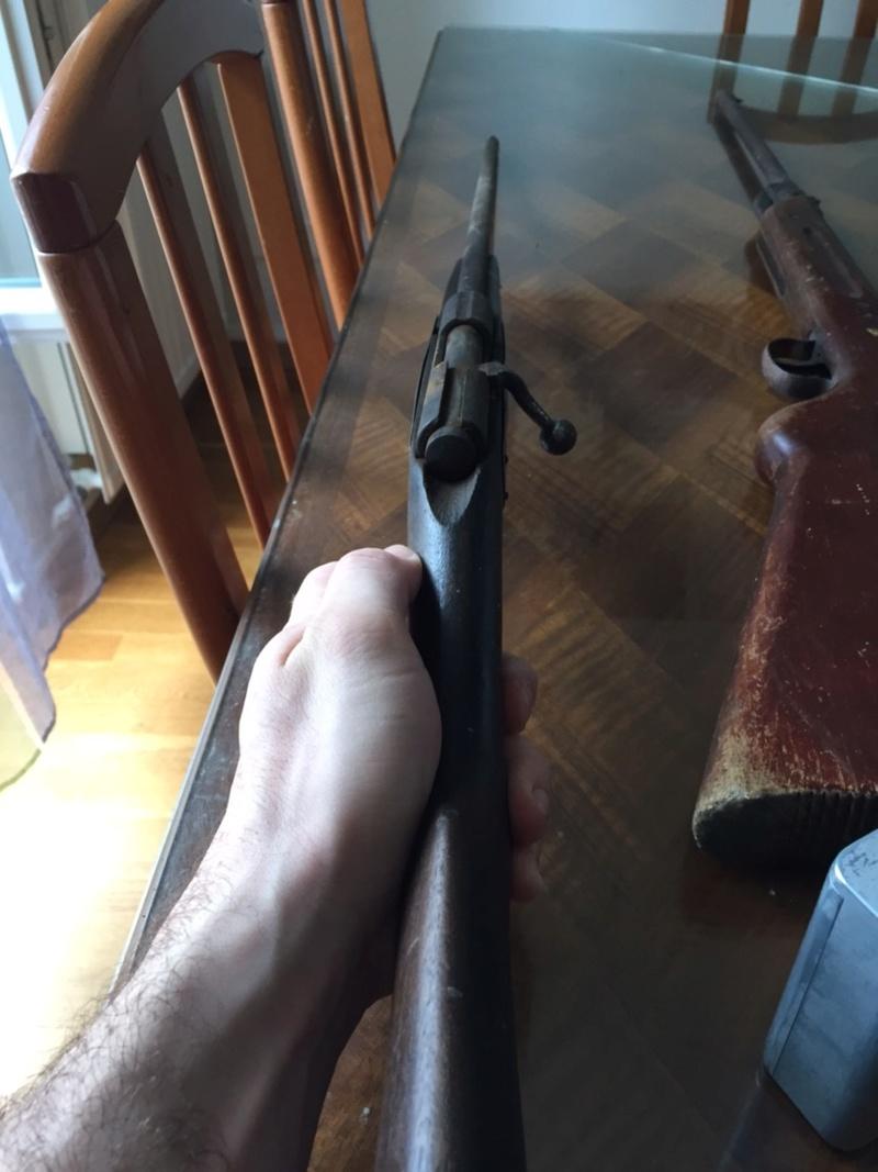 Besoin d'aide pour une carabine trouvé  Img_1216