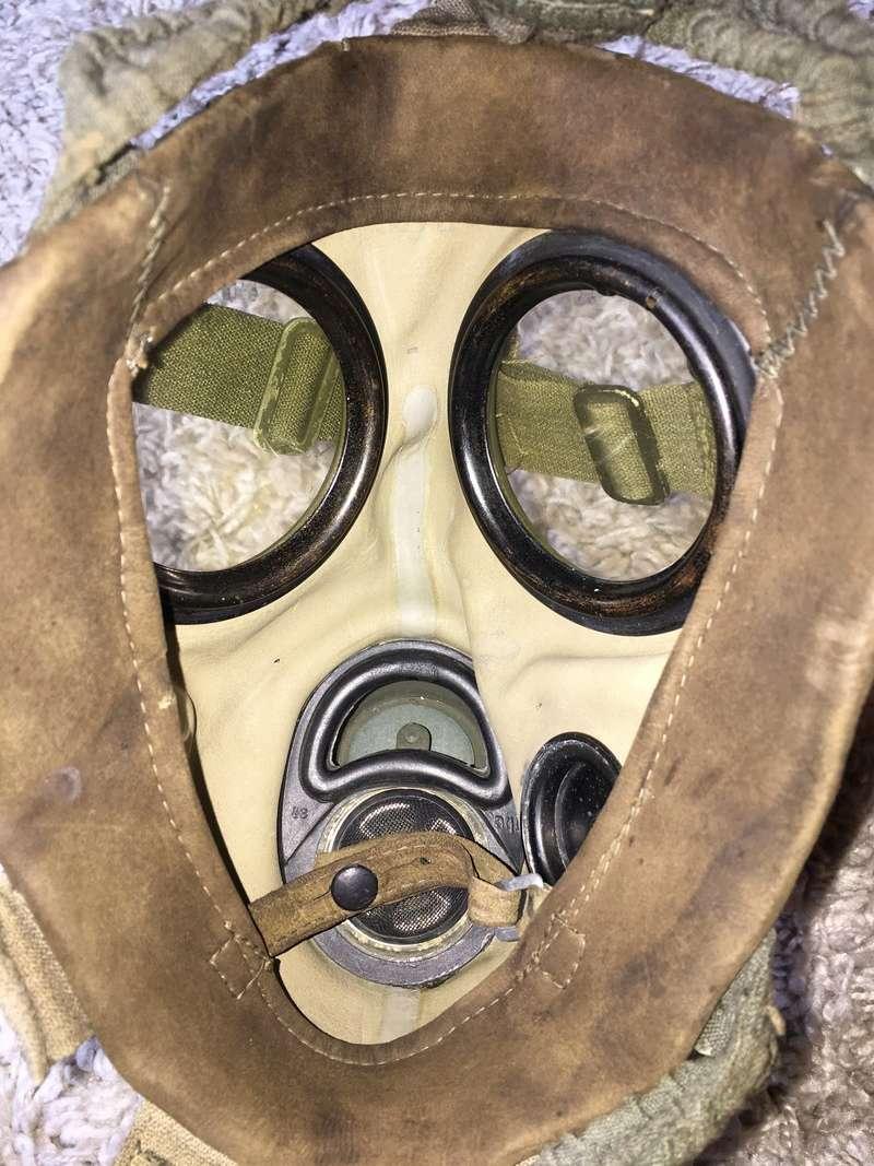 Masque a gaz allemand seconde guerre mondiale. Img_2916