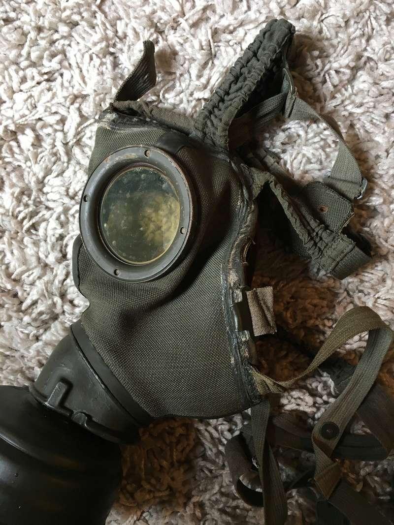Masque a gaz allemand seconde guerre mondiale. Img_2918