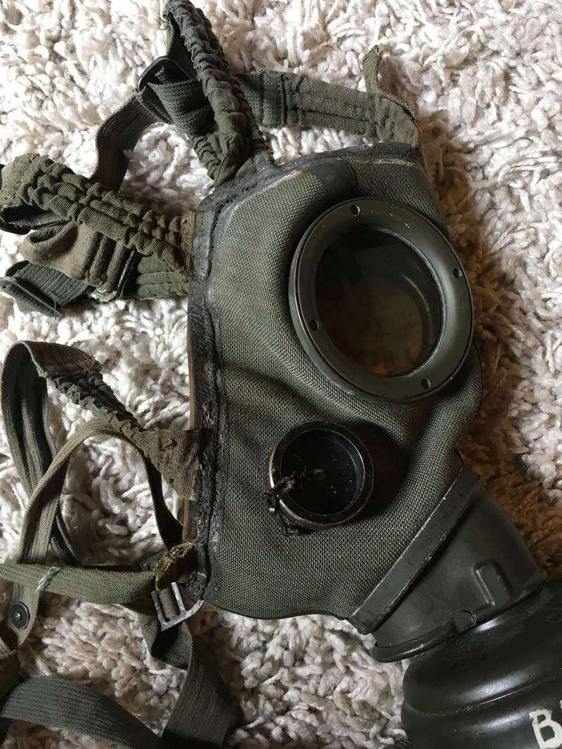 Masque a gaz allemand seconde guerre mondiale. Img_2919