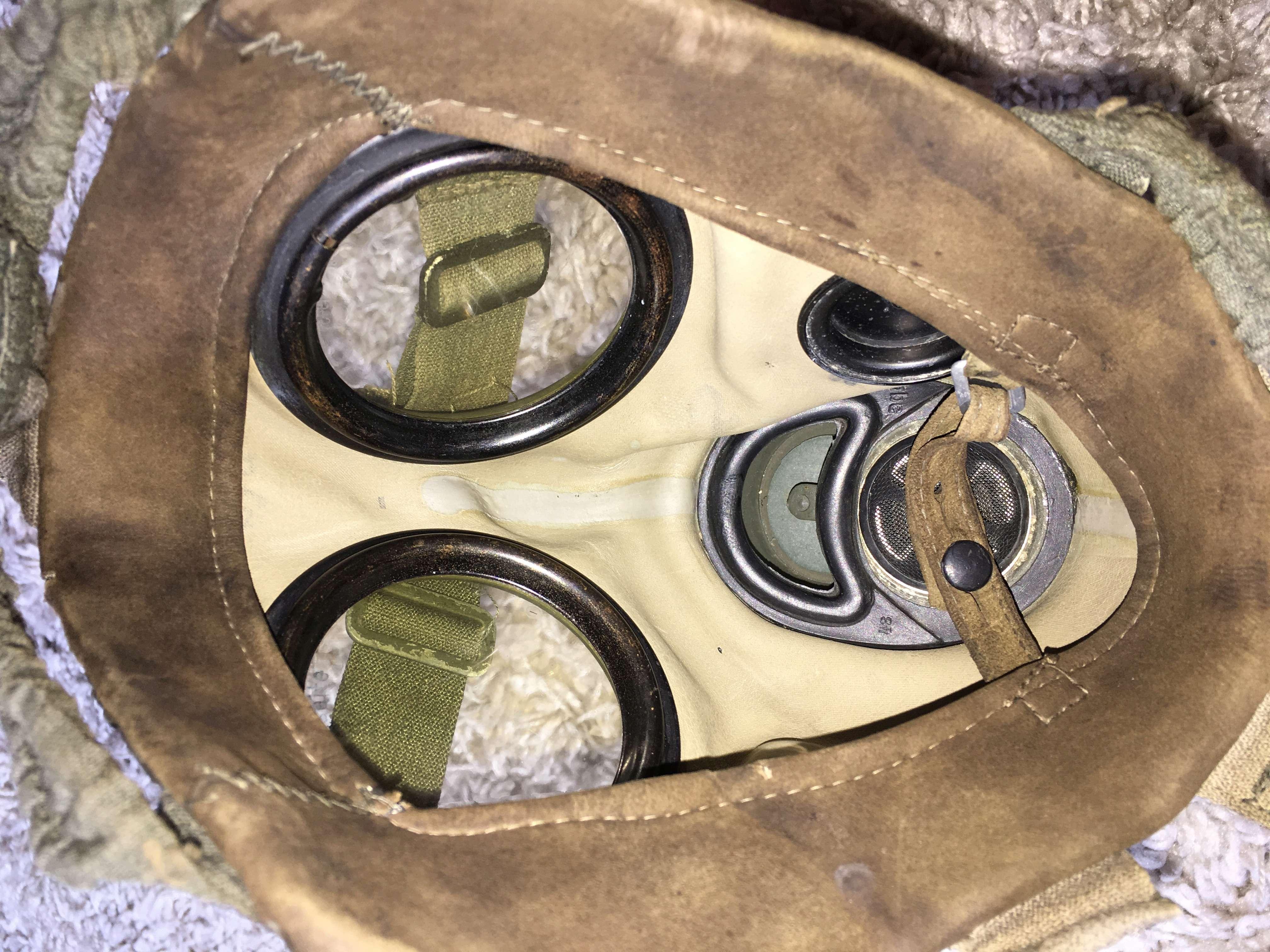 Masque a gaz allemand seconde guerre mondiale. Img_2922