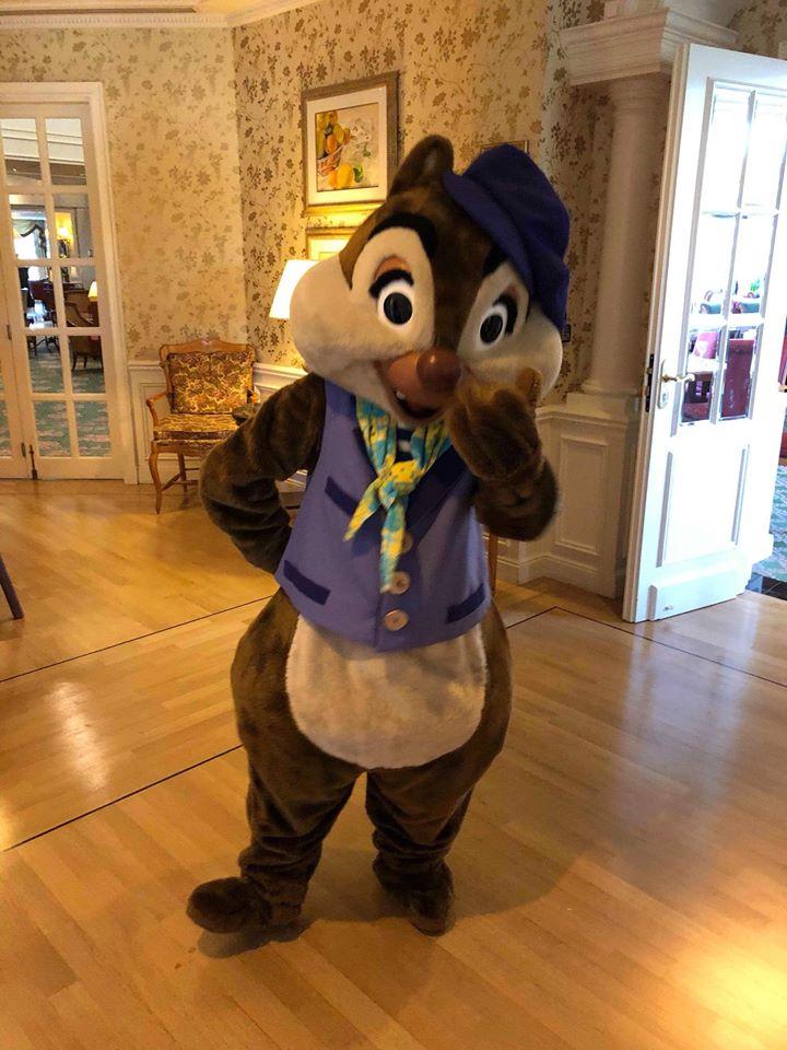 Brunch domenicale al Disneyland Hotel 33035910