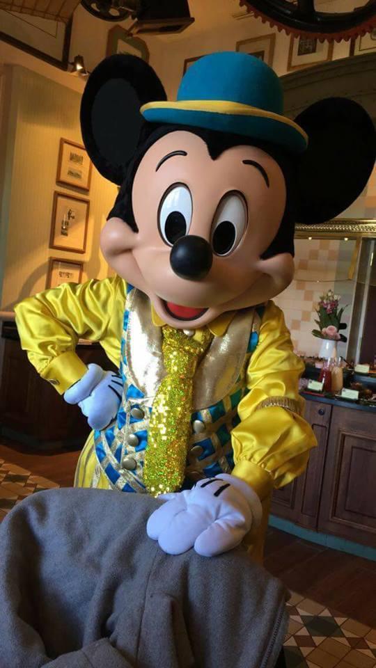 Brunch domenicale al Disneyland Hotel 2cmen10