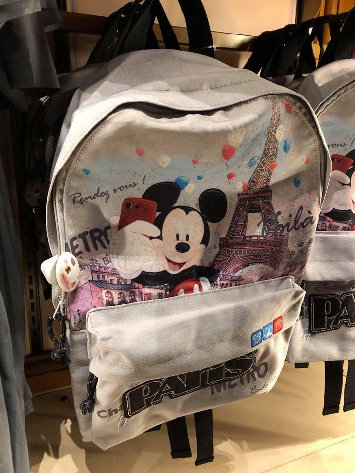 Merchandise: tutto quello che si vende nel resort 2eq3810