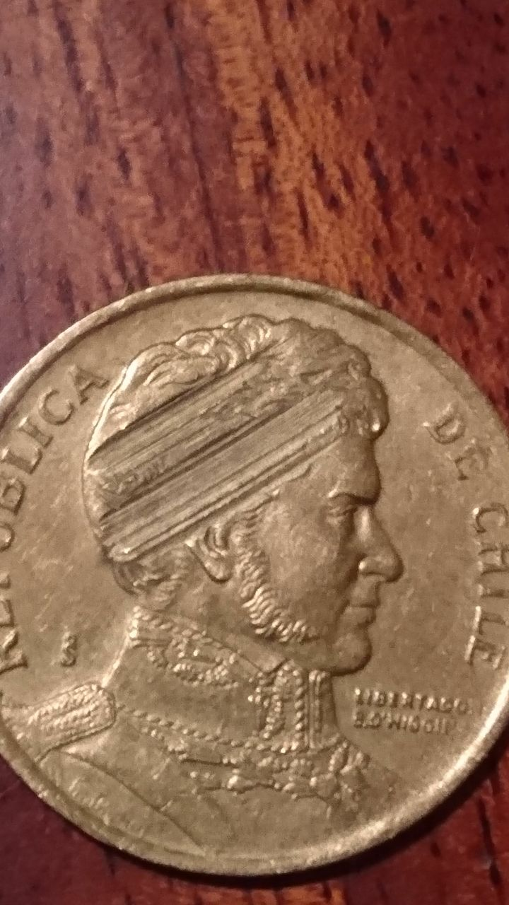 monedas 10 pesos de chile con error Img-2011