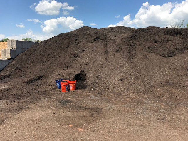 Compost pile in Schwenksville PA. Compos14