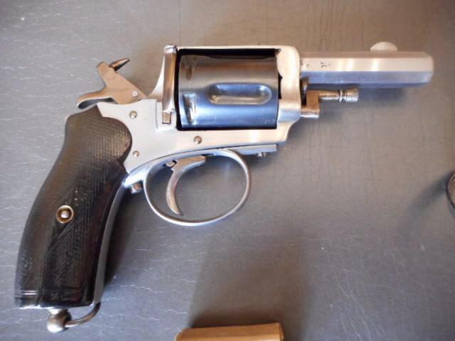 Identification revolver 8mm 1892 90fe9410