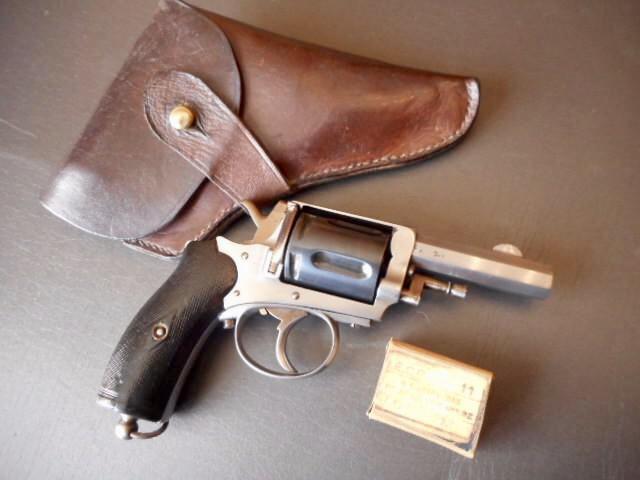 Identification revolver 8mm 1892 97d44610