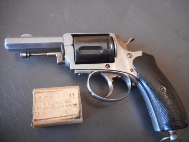 Identification revolver 8mm 1892 Ae690c10