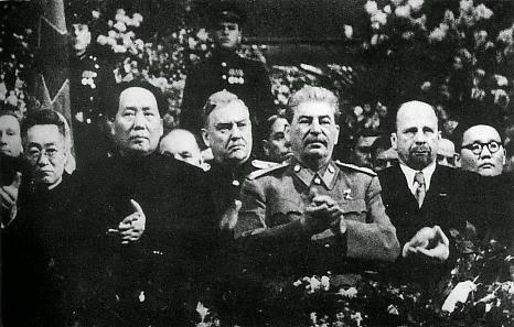 Stalin advirtiendo a Mao Zedong de las consecuencias de no apartarse de su visión revisionista de «marxismo nacional» y «socialismo chino» Mao_bu10