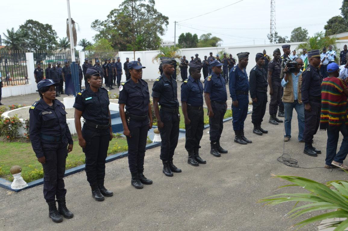Propositions d'uniformes pour la police et la douane Impériales Gendar10