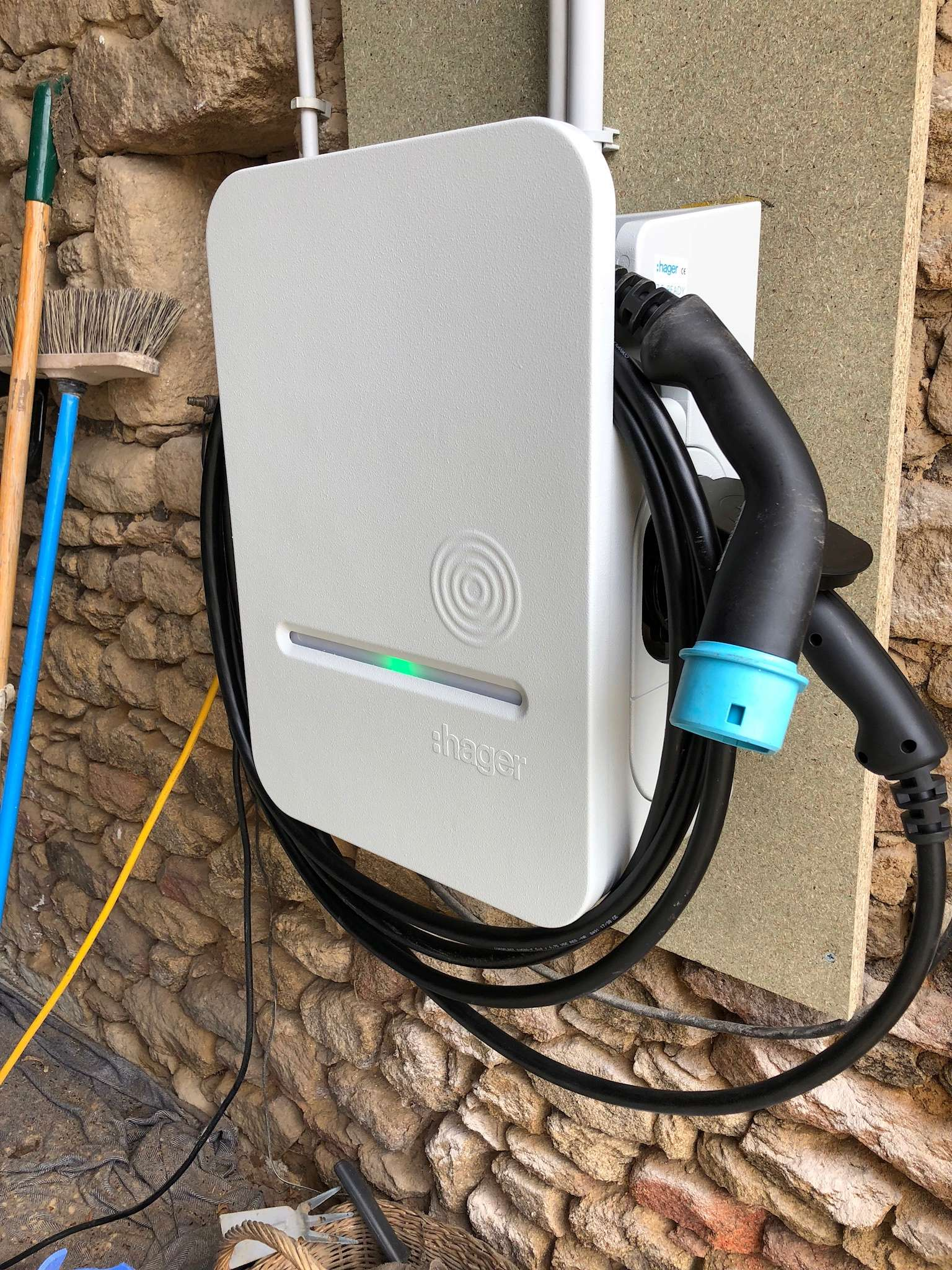 Demande de renseignement borne de recharge installée à distance - Page 2 Bf5af610