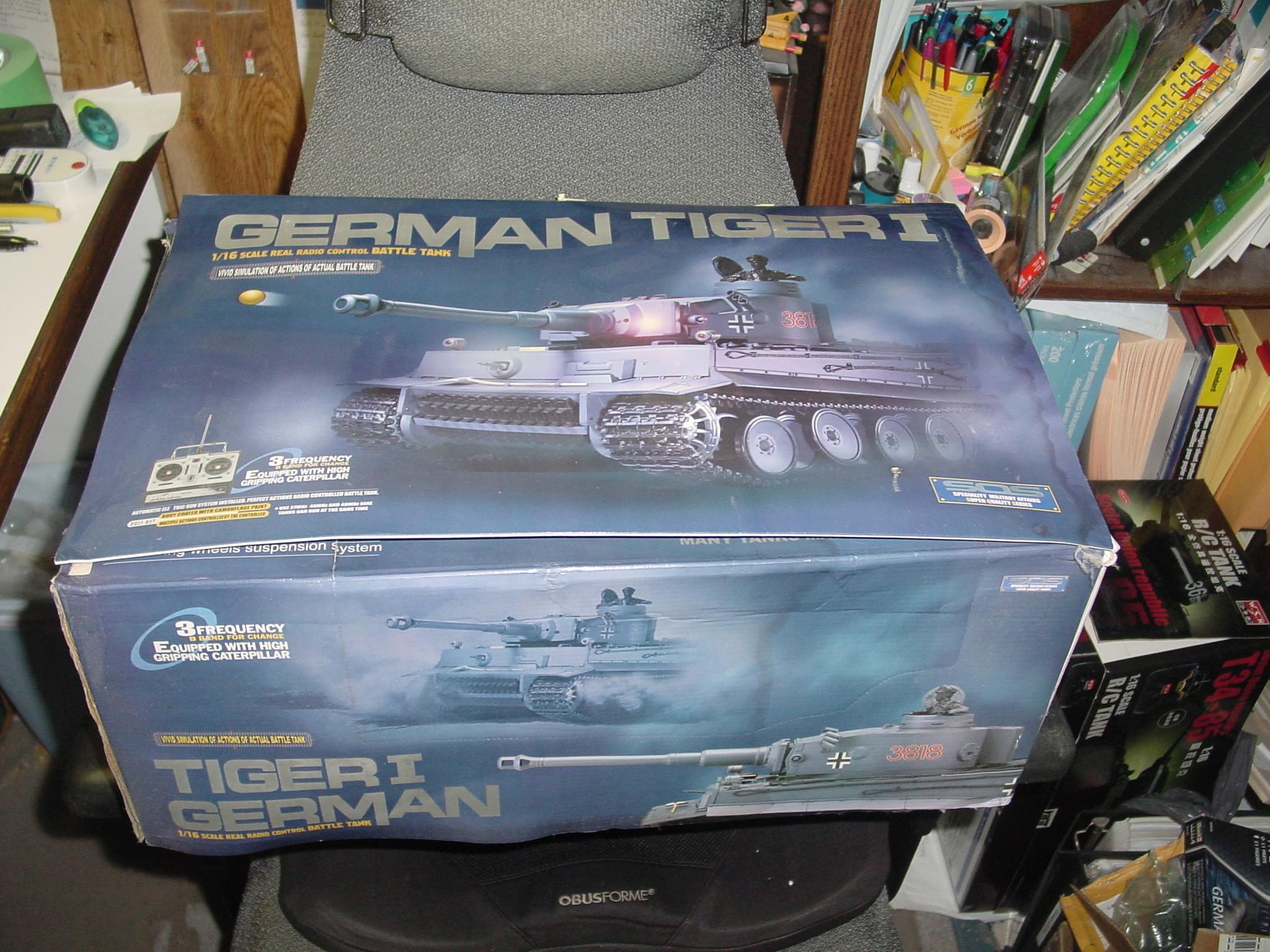 1/16 Heng Long Tiger 1 R.C Tank Dsc00025