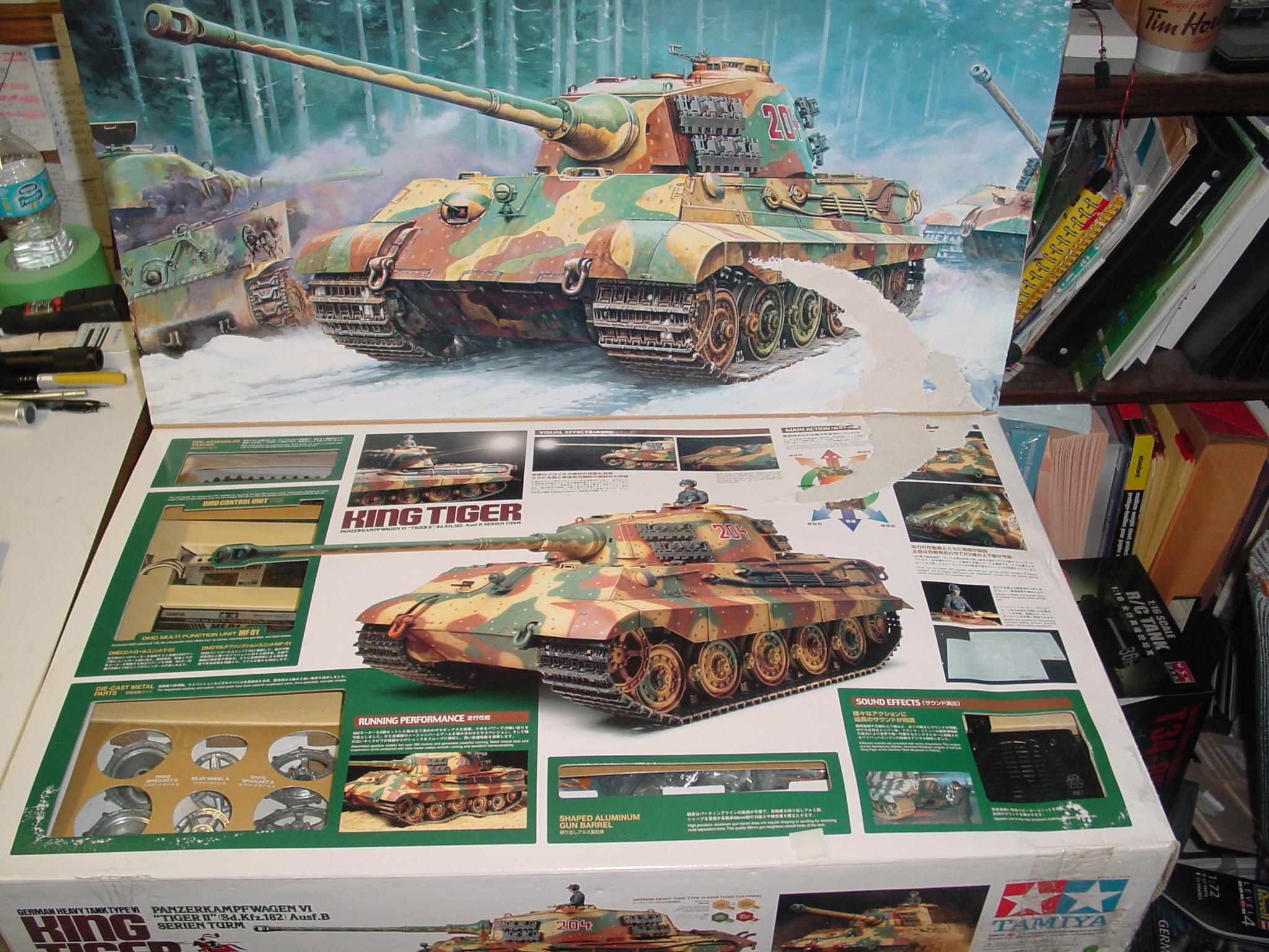 Unbuilt Tamiya 1/16 King Tiger Tank for Sale Dsc00028