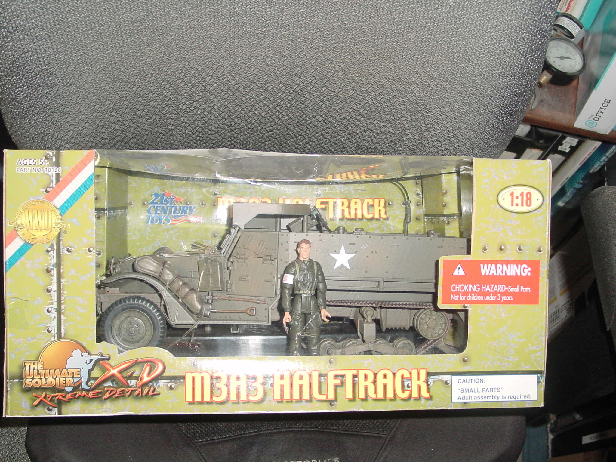 1/18 Ultimate Soldier M3A3 Half Track Dsc00030