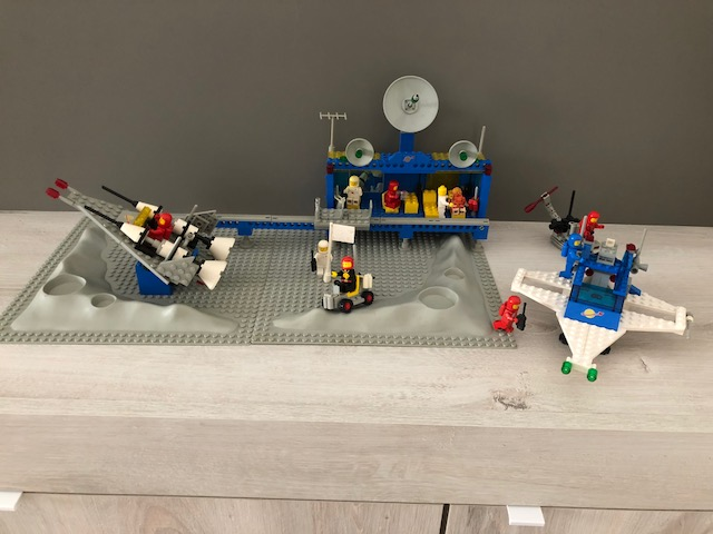 Lego 6970 - Base spaziale Beta 1 - 1981 + ASTRONAVE  Img_1811