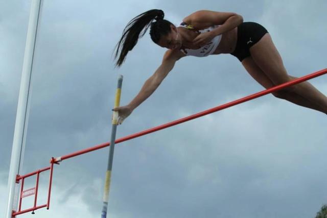 Robeilys Peinado ganó oro e impuso récord en los Juegos Suramericanos Rosbel10