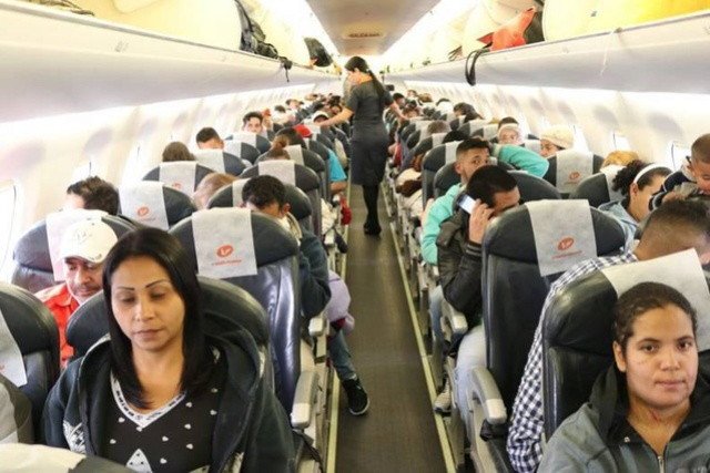 Venezolanos regresan al país