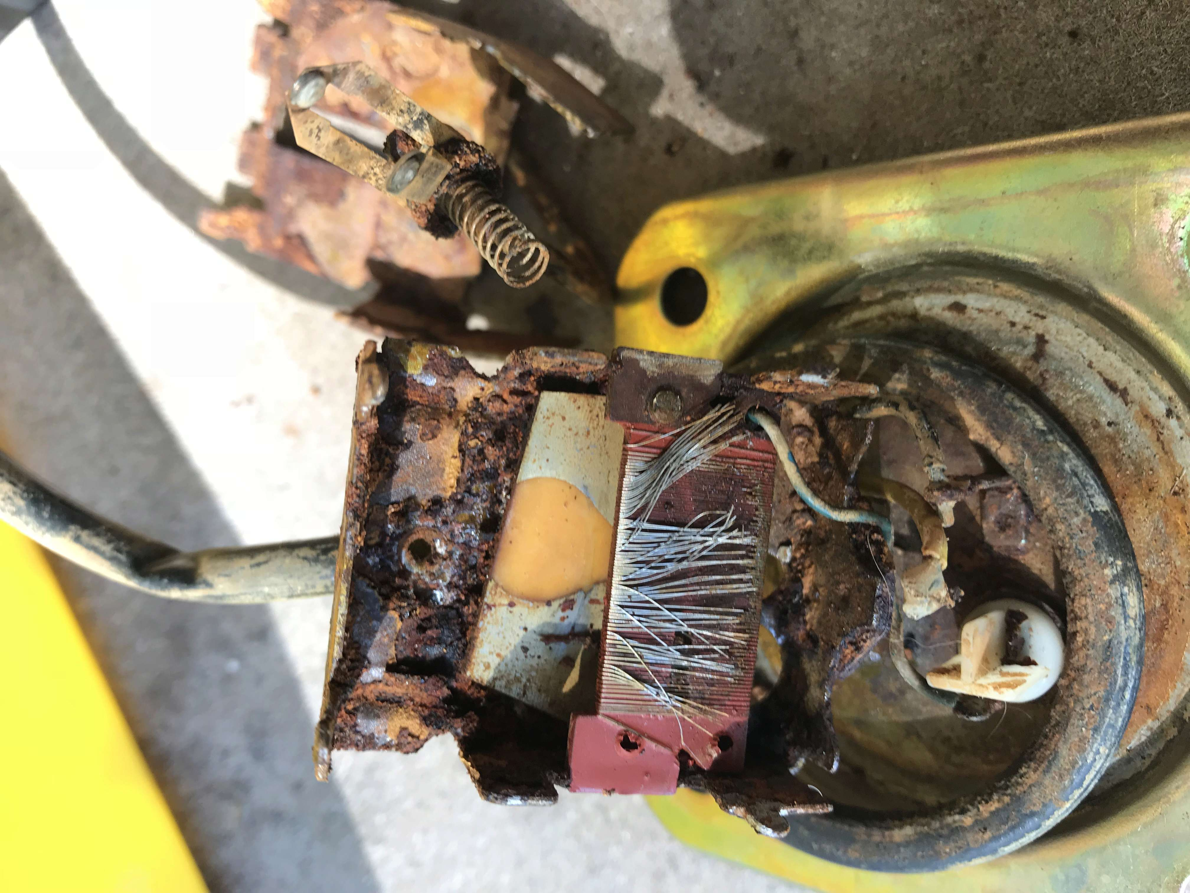 Does connector under the tank need to be hooked up to start bike. Cdd29010