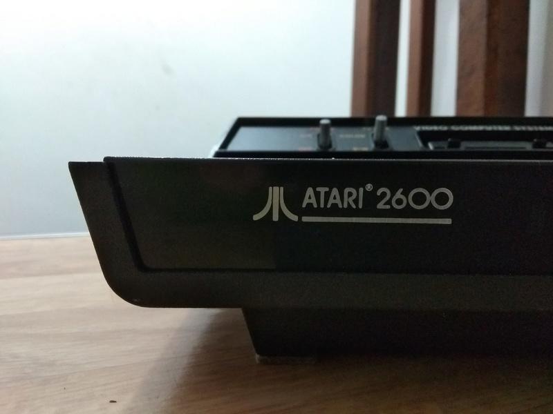 Deux Atari 2600 en plus dans la collection ! Img_2011