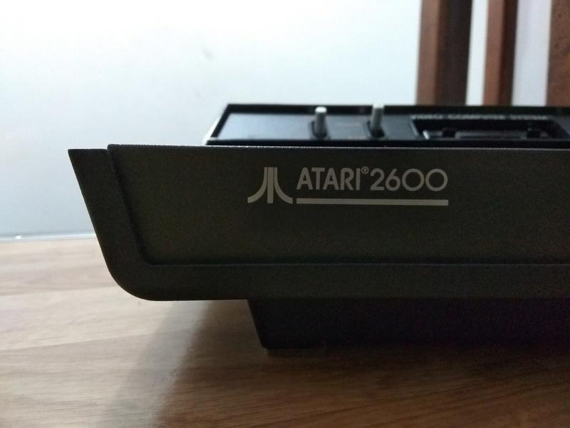 Deux Atari 2600 en plus dans la collection ! Img_2012