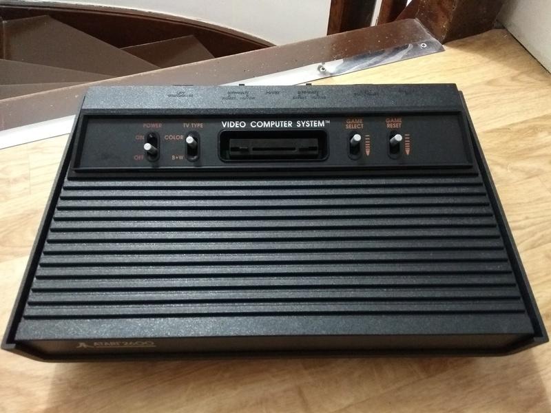 Deux Atari 2600 en plus dans la collection ! Img_2021