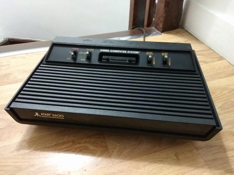 Deux Atari 2600 en plus dans la collection ! Img_2027