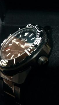 [Vendido]  Seiko 5 sports Made in Japan. Black P.V.D. SNZE99j1 Temp313