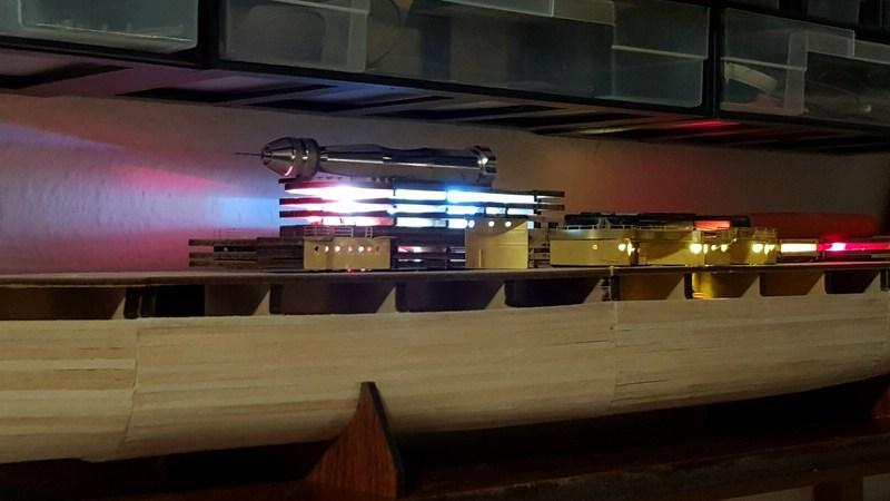 Die Scharnhorst von Hachette in 1/200 mit Licht gebaut von Kai1404 Comp_305