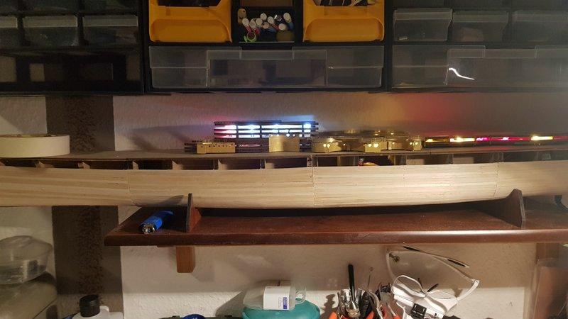 Die Scharnhorst von Hachette in 1/200 mit Licht gebaut von Kai1404 Comp_321