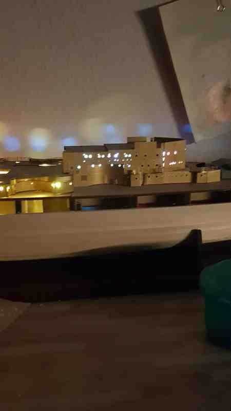 Die Scharnhorst von Hachette in 1/200 mit Licht gebaut von Kai1404 Comp_327