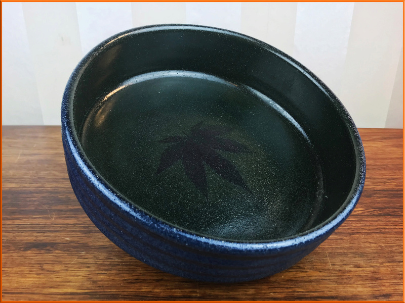 Please help ID this pottery bowl Blue_s11