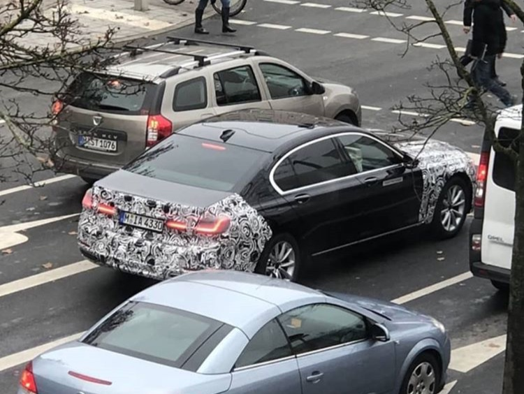 2019 - [BMW] Série 7 restylée  - Page 5 83a40410