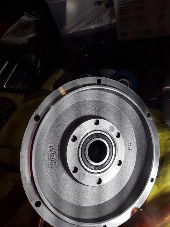 Desmontar motor buje trasero 15894710