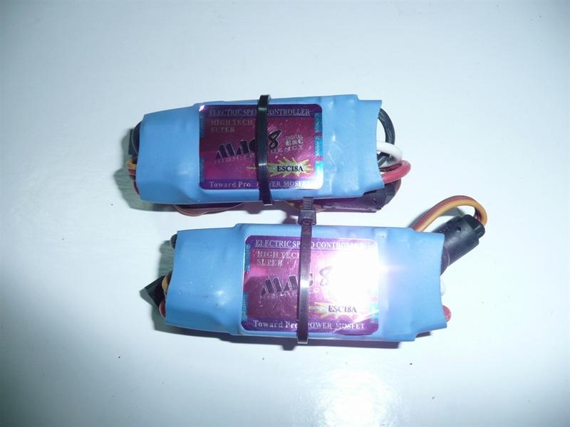 35 - 2 X ESC 18 AMP 35-2_e10
