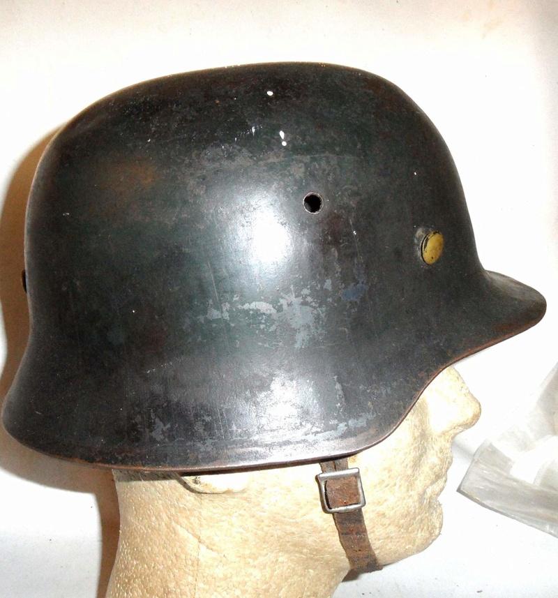 Faux casque allemand? Uk_ger11
