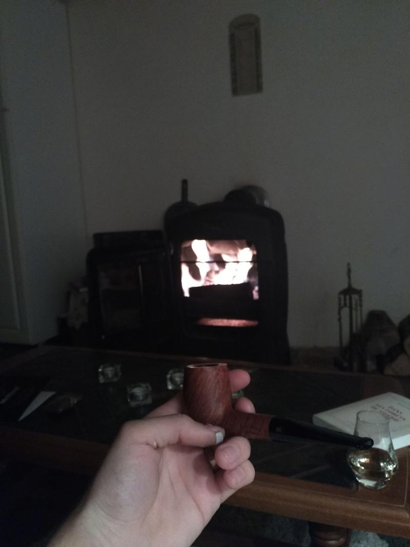 Troyes : des cendres de tabac à pipe retrouvées. (3/12) Img_2011