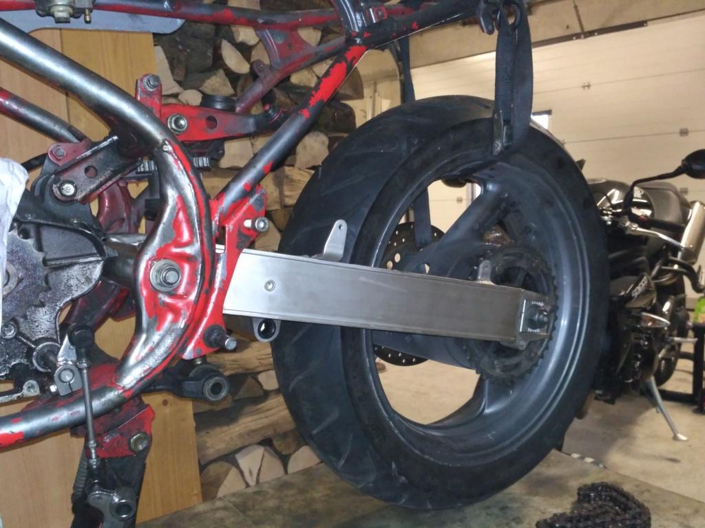 Bras oscillant de 850 TRX adapté pour une 350 RD/LC Img_2010