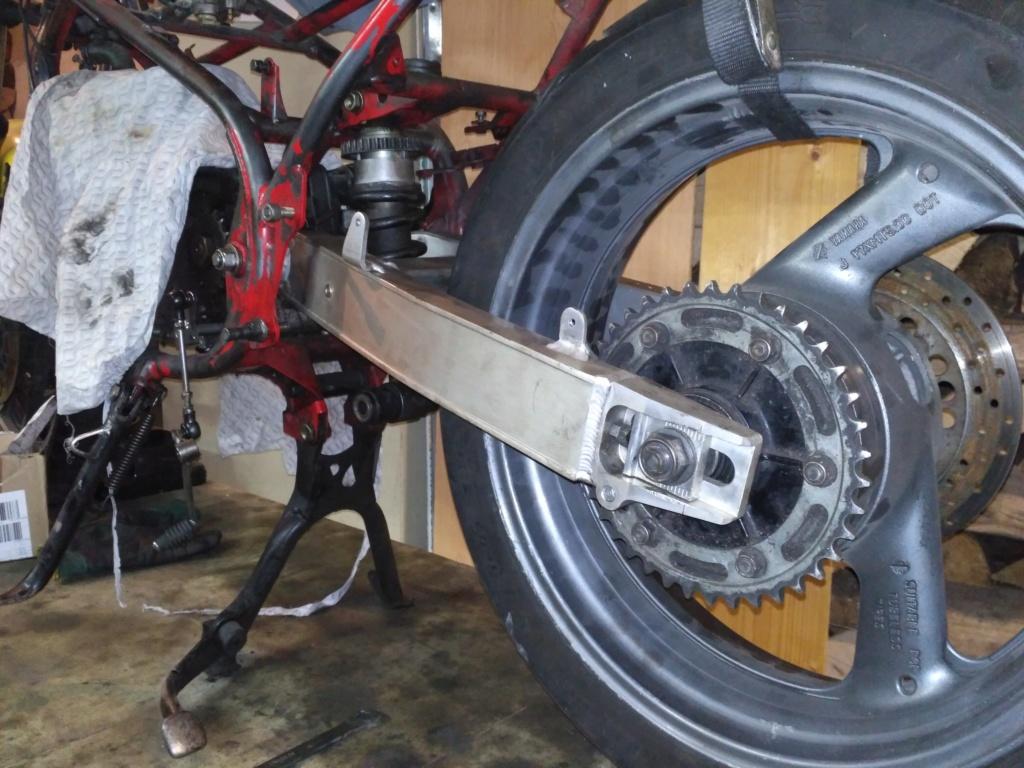 Bras oscillant de 850 TRX adapté pour une 350 RD/LC Img_2011