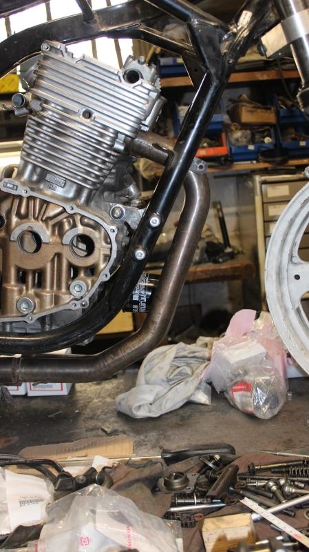 Montage de deux 500 CB pour la Vitesse en Moto Ancienne - Page 3 Ph01_i21