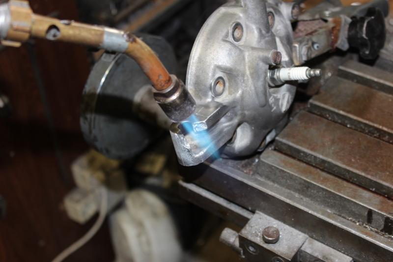 Réparation d'une patte de culasse cassée. Ph03_i36
