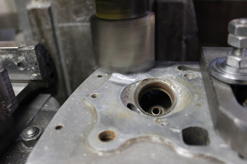 Réparation d'un plan de joint de culasse Ph06_i28