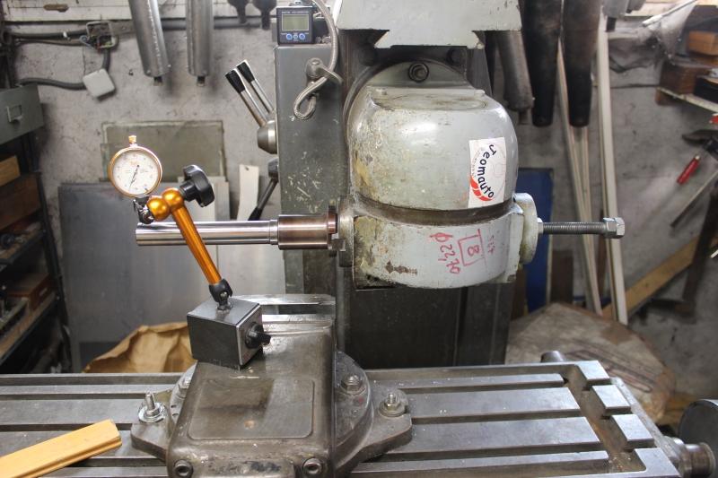 Redressage et ré-alésage d'un té de fourche Ph06_i52