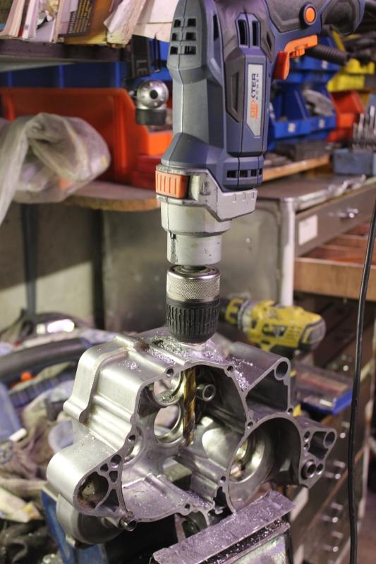 Réparation d'un bouchon de vidange cassé. Ph09_i37